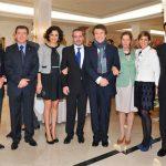 Raphael con su familia y amigos